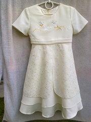 Продам платье на девочку 4-6 лет в отличном состоянии