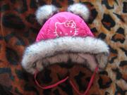 супер классная зимняя шапка с китти на объем головы 54.