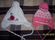 Продам бу две зимние шапки на девочку 4-5 лет.