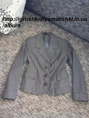 стильненький серый пиджачок nui very на первоклашку